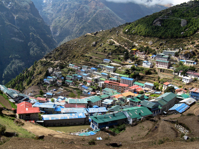 Namche Bazaar au début du trek du camp de base de l'Everest